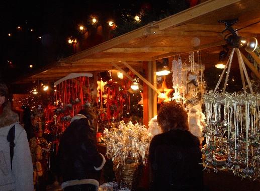 Mercatino natalizio di Bolzano (da Wikipedia)